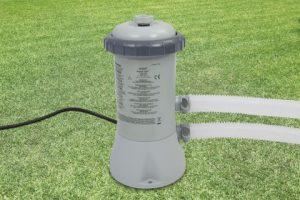 Intex filterpomp 2271 liter buiten
